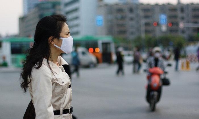 """""""ประกันสังคม"""" ย้ำผู้ประกันตนป่วยจากฝุ่น """"PM 2.5"""" รักษาโรงพยาบาลตามสิทธิฟรี!"""
