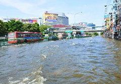 นักวิชาการหวั่น! น้ำท่วมไทยกระทบศก.โลก