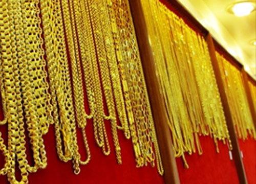ทองลง50บ.!รูปพรรณขายออกบาทละ18,500บ.