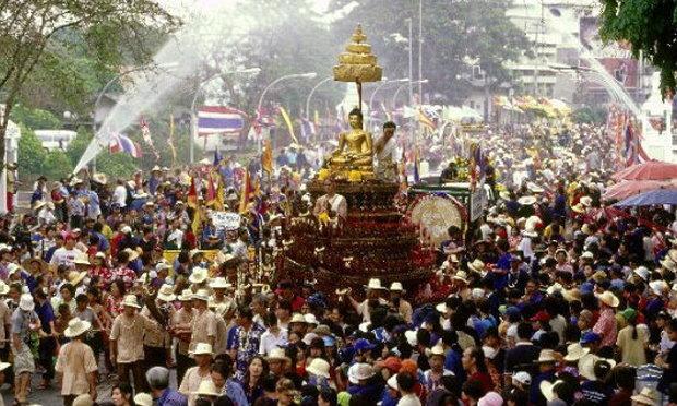 ชุดไทยยอดฮิต สินค้าสุดฮอตสงกรานต์ปี58
