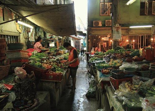 ผู้ค้าตลาดเตาปูน บอก ราคาผักลดลง
