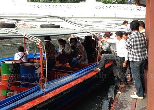 ปชช.ใช้บริการเรือโดยสารคลองแสนแสบปกติ