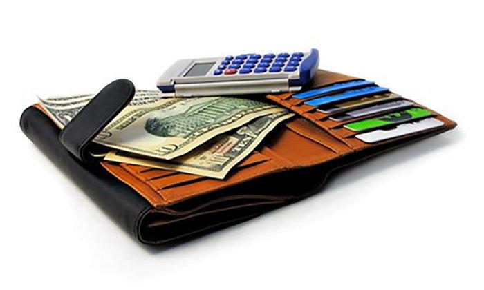 บัตรเครดิต และบัตรชาร์จการ์ด มีความต่างกันอย่างไร ?