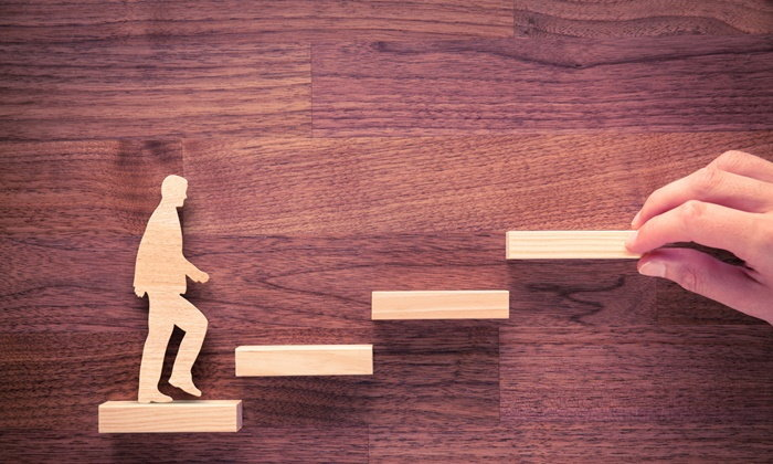 """""""ความสำเร็จไม่ใช่เรื่องบังเอิญ... ความสำเร็จคือทางเลือก คนที่จะชนะ"""""""