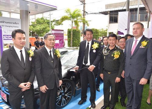 PEAเปิดสถานีชาร์จรถยนต์ไฟฟ้าที่นครราชสีมา