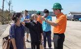 MEA รุดตรวจสอบ-แก้ไขอุปกรณ์ไฟฟ้า เยียวยาชาวบ้านในพื้นที่ หลังได้รับผลกระทบเหตุท่อก๊าซระเบิด