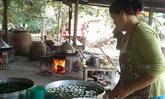 ชาวพิษณุโลกเร่งทำขนมเทียน-ขนมเข่งรับตรุษจีน
