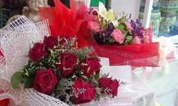 'กุหลาบ' แพง สงขลาขายดอกไม้ช่อละ 500-3,000 บาท
