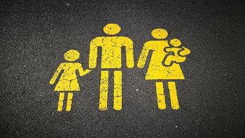 """พ่อแม่ร้องเฮได้เลย! ลูกคนที่สอง """"หักลดหย่อน"""" ได้อีก 3 หมื่นบาท"""