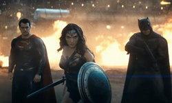 มาแล้ว! ตัวอย่างเต็ม Batman v Superman: Dawn of Justice