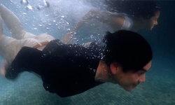 """ชาคริต-พรีม โชว์อึด หนีแม่แอบสวีทใต้น้ำ เปิดฉาก """"เดือนประดับดาว"""""""
