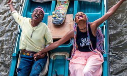 """Rafiki"" ภาพยนตร์เรื่องแรกจากเคนยาที่ได้ฉายเทศกาลหนังเมืองคานส์ ถูกบ้านเกิดแบนเพราะมีฉากโฮโมเซ็กชวล"
