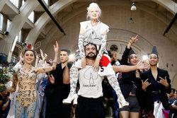รีวิว Westwood: Punk, Icon, Activist สารคดีมนุษย์ป้าที่บ้าที่สุด
