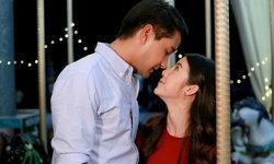 """""""เหมือนเราเคยรักกัน"""" เปิดฉากโรแมนติก """"ป้อง"""" จูบหวาน """"เอสเธอร์"""" กลางสวนสนุก"""