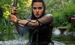 """Cursed"" ซีรีส์แฟนตาซีทาง Netflix ที่พลิกบทบาท ""แคทเธอรีน แลงฟอร์ด"" ไปอย่างสิ้นเชิง"