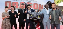 How to Train Your Dragon 2 เปิดตัวกระหึ่ม แฟนคลับ L.A. แห่ร่วมงานคับคั่ง