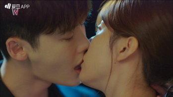 ฉากจูบในละคร