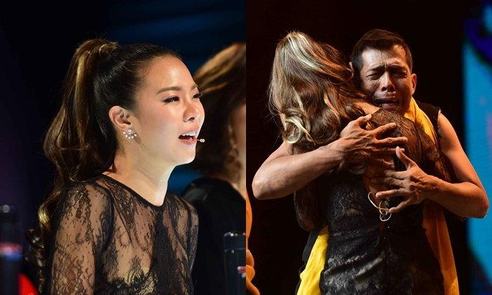 """""""พี่เป็นอาจารย์ของหนูนะคะ"""" ช็อตซึ้ง """"คริส หอวัง"""" หลั่งน้ำตากลางรายการ Thailand's Got Talent"""