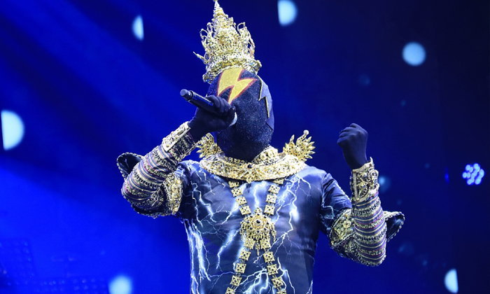 เผยโฉมหน้ากาก ขวานฟ้าหน้าดำ เปิดมาแล้วสาวกรี๊ด! The Mask วรรณคดีไทย