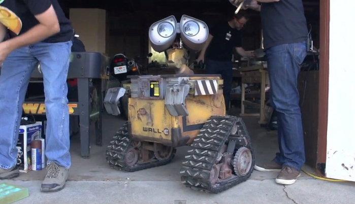 มาดูหุ่นยนต์ Wall-E จากหนังพิกซ่าร์ของแท้!