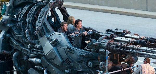 ภาพเบื้องหลังปริศนาของ Transformers: Age of Extinction