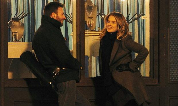 กัปตันอเมริกาคริส อีแวนเตรียมกำกับหนังรักครั้งแรกใน 1:30 Train