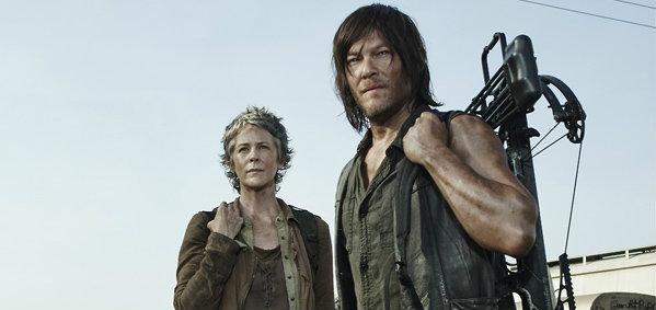 """ฮอตจริง! """"The Walking Dead"""" ซีซั่น 5 ทุบสถิติคนดูรอบพรีเมียร์สูงสุดตลอดกาล"""