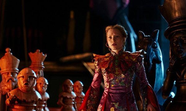 เมื่อ อลิซ หวนคืนสู่วันเดอร์แลนด์ Alice Through The Looking Glass