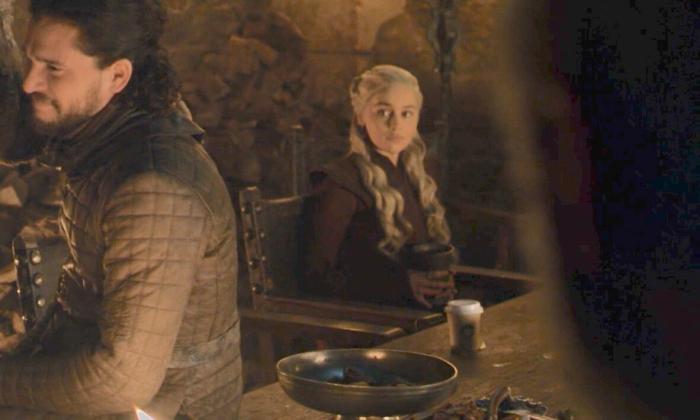 """เห็นนะจ๊ะ! ชาวเน็ตตาดีพบถ้วยกาแฟยี่ห้อดังโผล่ในฉาก """"Game of Thrones"""" อีพีล่าสุด"""