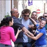 โรเบิร์ต แพททินสัน วิ่งหนีแฟนคลับจนถูกรถชน