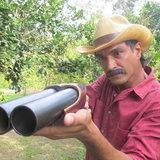 พ่อตาปืนโต