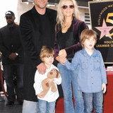 รัสเซล โครว์ - แดเนียล สเปนเซอร์ และลูกๆ