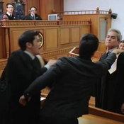 รอยรักแรงแค้น ขึ้นศาล