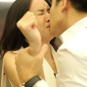 โทนี่-โฟร์ จูบ