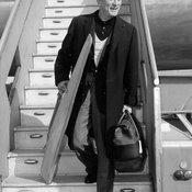 """""""เคิร์ก ดักลาส"""" ตำนานแห่งวงการฮอลลีวู้ด สิ้นลมหายใจในวัย 103 ปี"""
