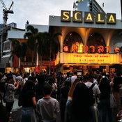 """อำลา """"สกาลา"""" ซึมซับบรรยากาศหนังรอบสุดท้ายจากหอภาพยนตร์"""