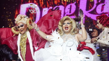 เก๋า สวย และรวยมาก! นาตาเลีย เพลียแคม คว้าตำแหน่ง Thailand's Drag Superstar คนแรกของเมืองไทย