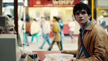 """รู้จัก """"Black Mirror: Bandersnatch"""" แห่ง Netflix กับการมอบสิทธิในการเลือกให้กับประชาชน"""