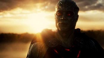 Martian Manhunter เป็นใคร โผล่มาทำไมใน Zack Snyder's Justice League