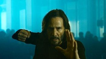 """ตัวอย่างแรก The Matrix Resurrections """"คีอานู รีฟส์"""" กลับเดอะเมทริกซ์อีกครั้ง"""