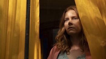 พูดคุยกับทีมนักแสดง The Woman in the Window พร้อมเผยตัวอย่างครั้งแรก