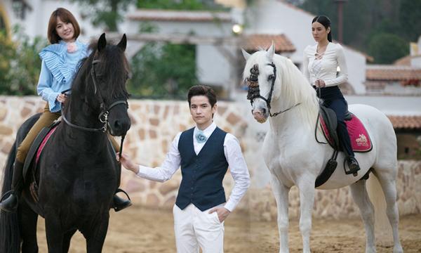 เต๋า พา แพทตี้ ฝึกขี่ม้าถูก เบเบ้ ปาดหน้าโชว์หวานแทน
