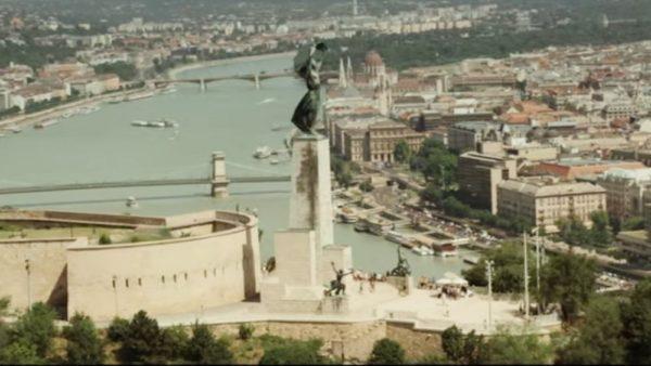 เมืองบูดาเพสต์ในฉากเปิด
