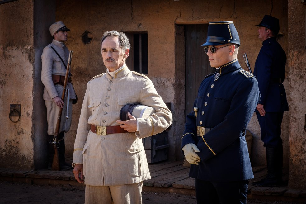 Johnny Depp and Mark Rylance in Waiting for the Barbarians (2019)