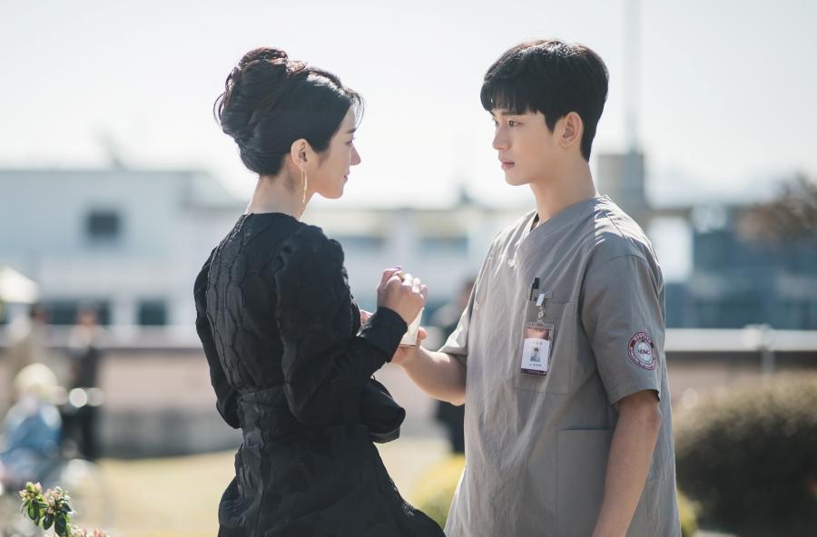 รีวิวซีรีส์เกาหลี It's Okay To Not Be Okay คนสองคนที่ผูกพันกันด้วยโชคชะตา