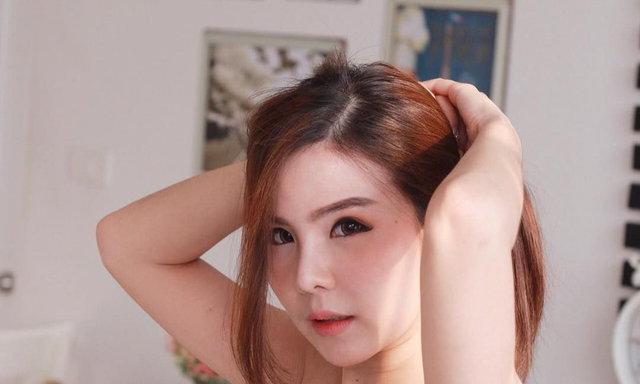 เเจกวาร์ปสาวชลลี่ หรือ Cholly Chonlada นางเเบบสาวหน้าสวยหวาน ขาวโอโม่ประทับใจหนุ่มทุกคน !