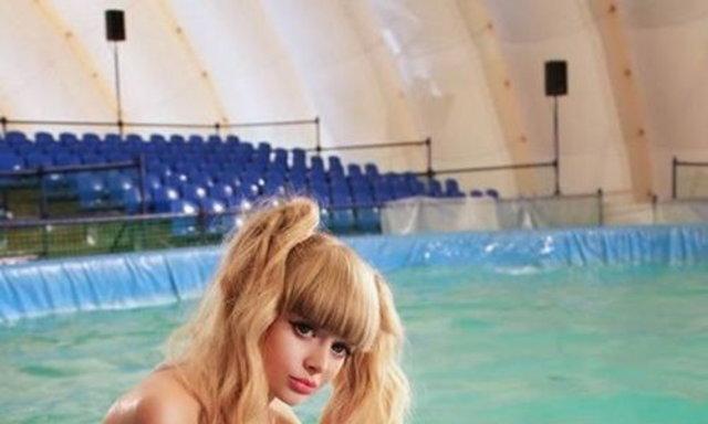 นางแบบรัสเซีย Angelica Kenova เหมือนบาร์บี้มาก!