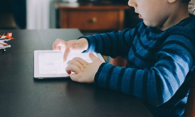คลิปวิดีโอควรดูเพื่อป้องกันภัยจากออนไลน์สำหรับครอบครัวและเด็กวัยรุ่น