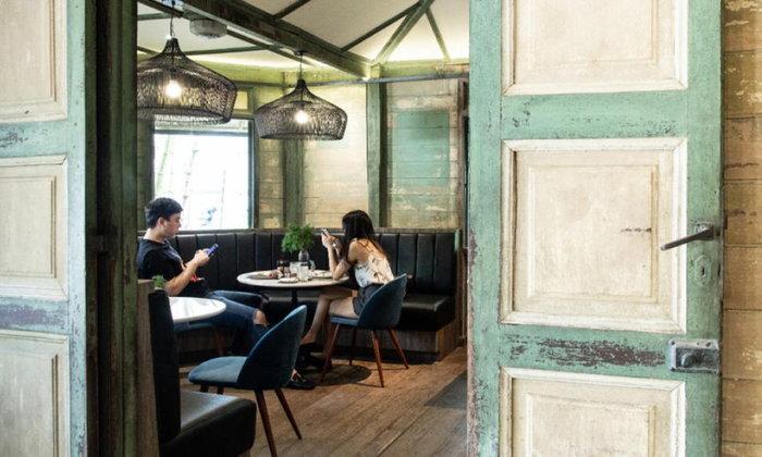 เย็นใจที่เย็นอากาศ กับ Akart DAYร้านกาแฟสายสเปเชียลตี้ในบ้านไม้เก่าอายุกว่า 90 ปี