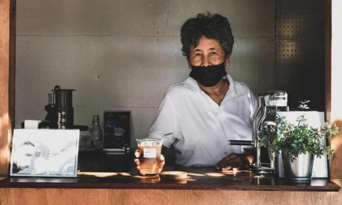 คอกาแฟสายคราฟต์จะต้องหลงรัก Mobidrip x Mother Roaster สโลว์บาร์แห่งใหม่ของคุณแม่วัยเก๋าในย่านเจริญกร